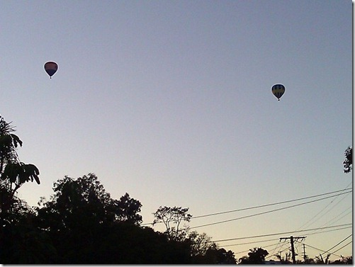 Balloons at dawn. Photo by Nic Freeman