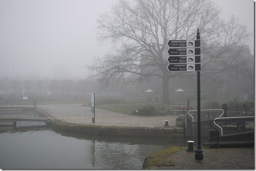 Morning fog over the canals in Stratford-upon-Avon, UK