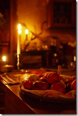 Berlin bar - candles and apples