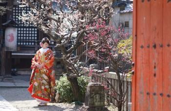 Kimono bride at temple Kyoto